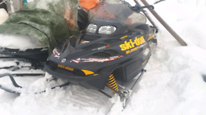 2003 Summit 800 ho highmark  Priced for quick sale! $1950 obo