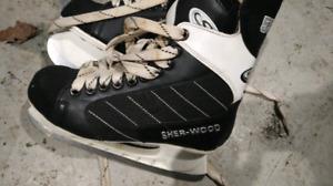 Sherwood 5500 hockey skates SZ 7!! Like new!!