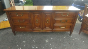 Solid wood 3 piece set in excellent condition