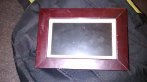 Coby digital picture frame