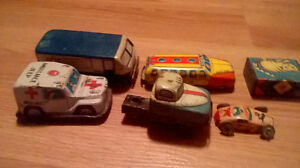 VINTAGE  LOT OF 1960`S-70`S JAPANESE TIN TOY VEHICLES London Ontario image 2