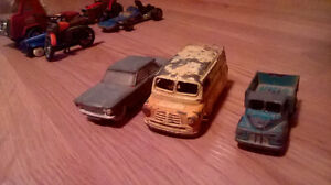 VINTAGE  LOT OF 1960`S DIECAST TOY VEHICLES London Ontario image 1