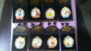 pin SNOW WHITE Magic Mirror LES 250 LIMITE ÉDITIon