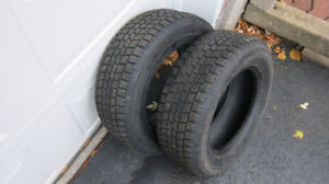 215 / 65 / 15   ( 2 Winter Tires )  $ 40