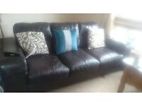 *** Leather Suite - Quick Sale ***
