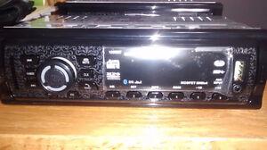 radio d auto usb carte sd et auxiliaire Saguenay Saguenay-Lac-Saint-Jean image 2