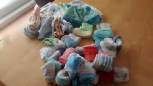 Lot bas/mitaines/tuques 0-3 mois