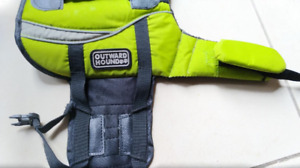 Outward Hound Life Jacket size: X-Small
