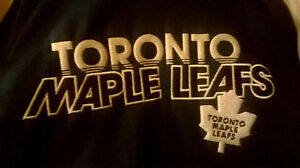 Boys XS Size 5 Toronto Maple Leafs Hoodie, NEW Windsor Region Ontario image 2
