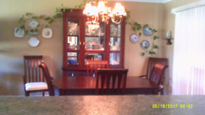 Buffet & Table with 6 chairs