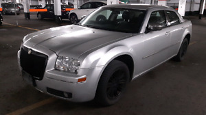 MINT CONDITION 2008 CHRYSLER 300 TOURING EDITION LUXURY SEDAN!!!