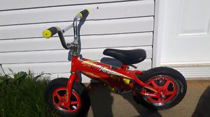 Vélo flash mc Queen roues 12 pouces