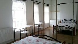 Newly refurbished double/single rooms near city centre / university