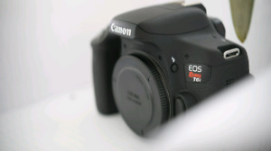 Canon T6i - Like new with 55-250 kit lens
