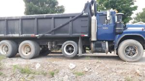1999 mack RB tri-axle dump truck