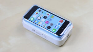 Brand New Sealed Iphone 5C 16gb White/Blue 1 year apple warranty
