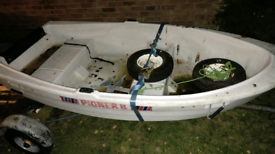 Pioner 8 polyethylene boat dinghy with Oars and Rowlocks