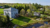 Whitestone Lake North of Parry Sound Large Waterfront Cottage