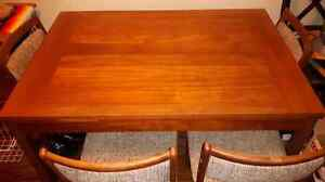 Teak dining room table 8 out of 10 condition