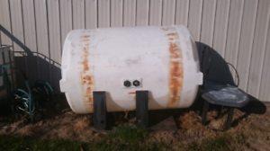 500 Gal water tank with saddles