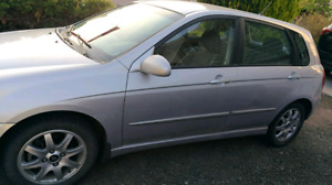 2005 Kia Spectra5, well maintained