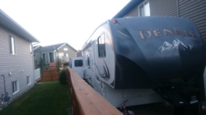 2012 Dutchman Denali fifth wheel de324lbs