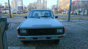 86 Toyota pickup low kms