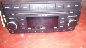 2007-2008 CHRYSLER DODGE ** RADIO 6 CD / MP3 / AUX ** BLUETOOTH