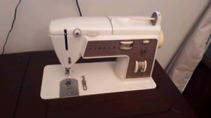 Singer touch and sew 758