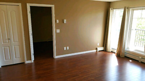 Move In Today! 2 Bed 2 Bath Condo in Sherwood Park - $1450/mo.