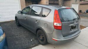 2011 hyundai elantra touring w/ safety clean title winter tires