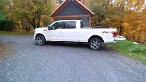 F150 fx4 larriat