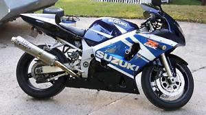 Moto suzuki GSX R600