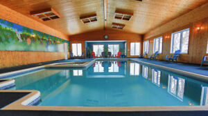 LARGE PRIVATE COTTAGE WITH INDOOR POOL SLEEPS 40+
