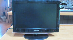 "Samsung 19"" LED T.V.  with Stand & Complete Cleaning System"
