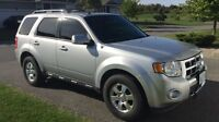 2012 Escape Limited with leather, sun roof and nav