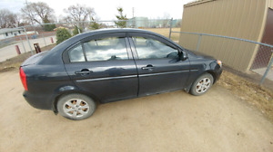 Hyundai Accent 2010 with two sets of tires and warranty