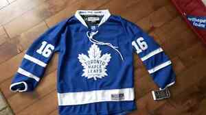 Youth sm/med Mitch Marner jersey.