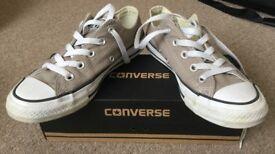 "Converse CT (""Chuck Taylor"") OX unisex shoes. Size 4"