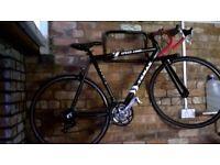 Used 2nd hand road bike - Shimano gear set + Breeze black wheels