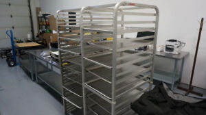 Stainless Steel Mobile Pan Baker Rack With Trays