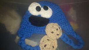 Adorable cookie monster hat excellent condition