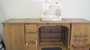 BERNINA 1230 IN CABINET