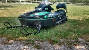 Snowmobile Arctic Cat Touring 700 efi, reverse fun reliable sled