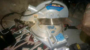 Delta Compound Mitrr Saw