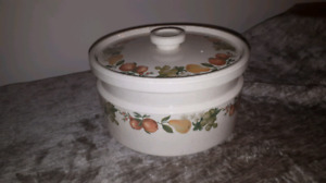 Wedgwood Quince Casserole Dish