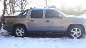 Selling a 2007 Chevrolet Avalanche