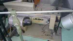 Plain automatic industrial sewing machine