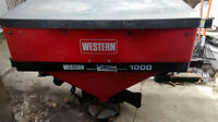 western 1000 tailgate salter