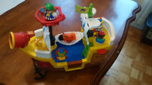 Bateau pirate Little People Fisher Price